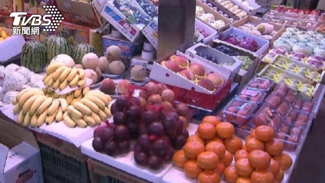 民眾好奇水果店為何要開24小時。(非關本事件,示意圖/TVBS) 24小時水果行誰來買? 內行曝「不打烊」真相