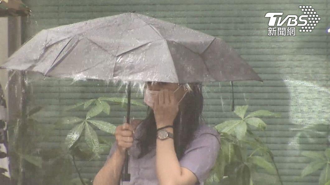 鋒面接近台灣,中部以北雨勢明顯。(示意圖/TVBS) 越晚雨越大!鋒面接近「全台有雨」 趨緩時間點曝