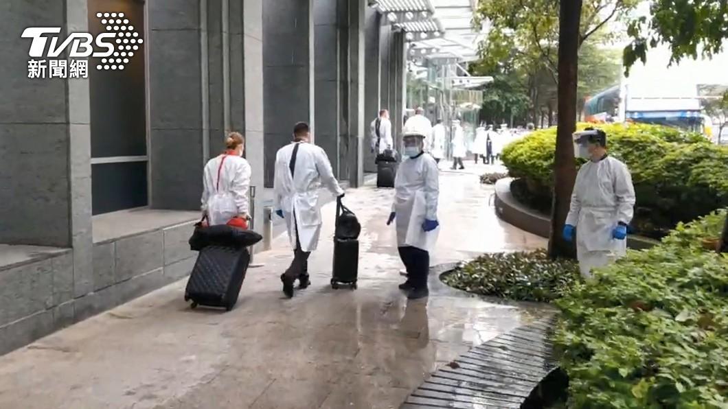圖/TVBS) 諾富特飯店主管染疫進ICU 另有3員工發燒急送醫
