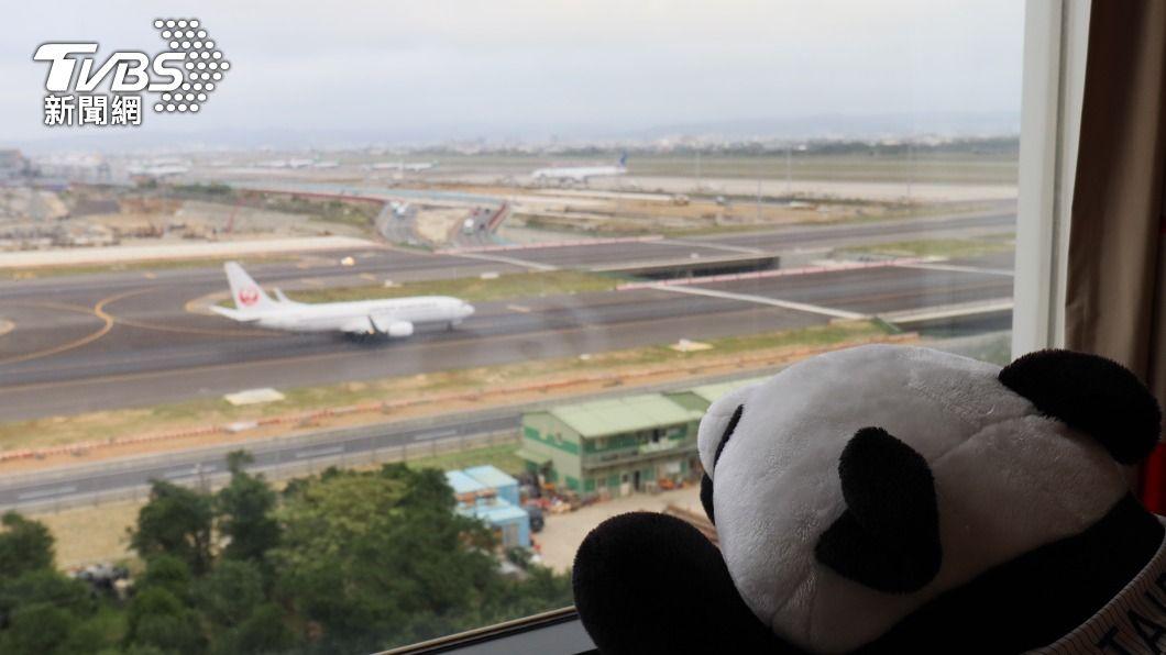 諾富特飯店鄰近桃園機場跑道,吸引飛機迷訂房。(圖/TVBS) 諾富特飯店曾接待旅客、辦婚宴 陳時中:暫不匡列