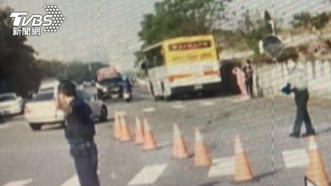 張女30日被公車輾壓送醫不治。(圖/TVBS) 台中女學霸招魂失敗7次 表哥喊「這句」才獲聖筊