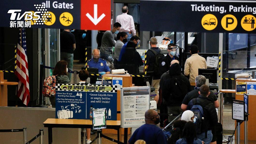 美國本月4日起,將限制自印度出境旅客。(示意圖/達志影像路透社) 疫情擋不住 美國4日起限制印度旅客入境