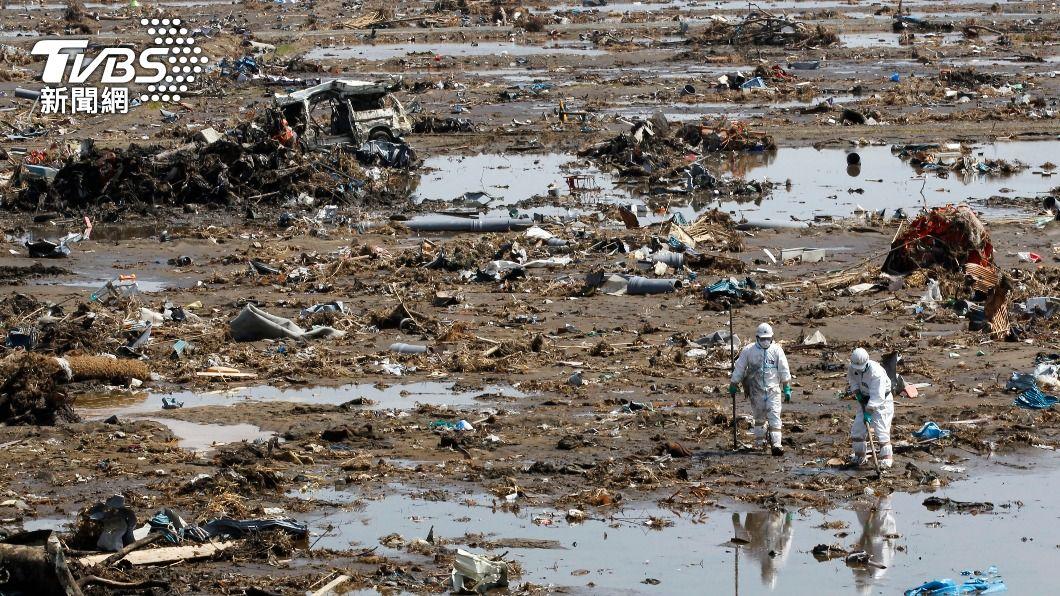 10年前的東北大地震,引發嚴重海嘯,造成1.8萬人罹難。(圖/達志影像路透社) 日本地震規模6.6 玻璃震破2人輕傷、新幹線暫停駛