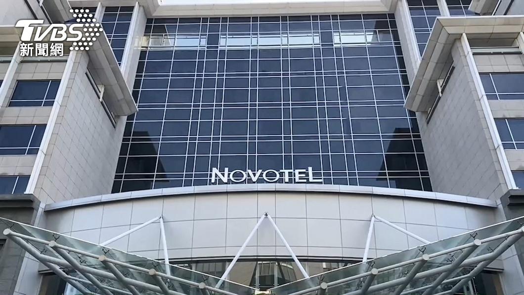 諾富特飯店員工同住家人染疫。(圖/TVBS) 新增4例本土 諾富特飯店員工3家人、機師女兒染疫