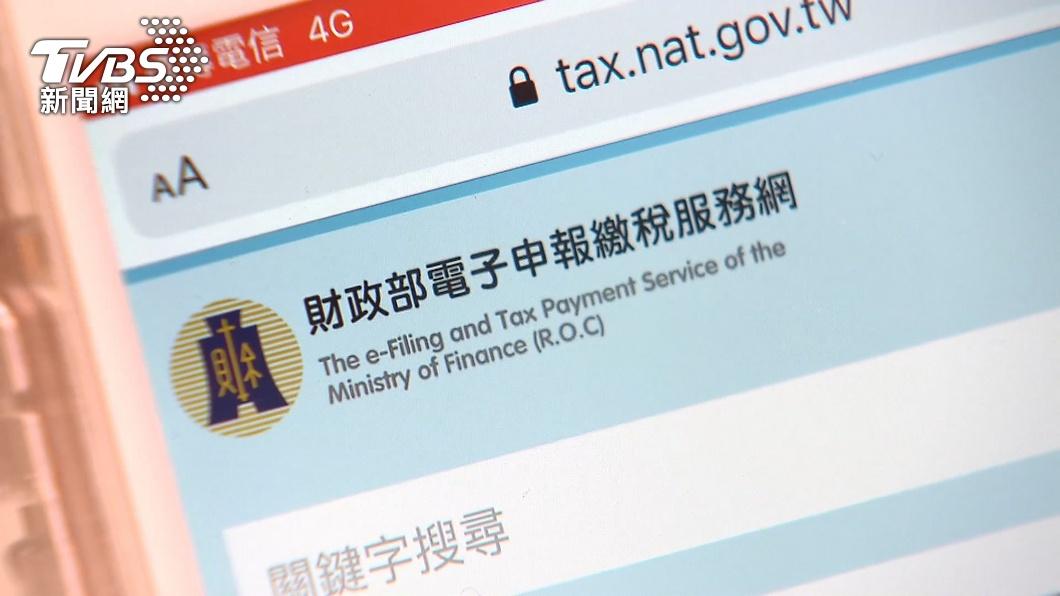 財政部長蘇建榮表示,使用手機報稅可降低群聚感染風險。(圖/TVBS) 國稅局今開門 財政部長籲「手機報稅」減群聚風險