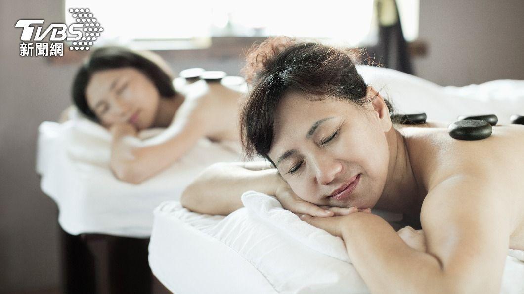 母親節適合帶媽咪來場放鬆的旅行。(示意圖/shutterstock 達志影像) 母親節送什麼? 10大熱議「媽咪專屬禮物」排行出爐