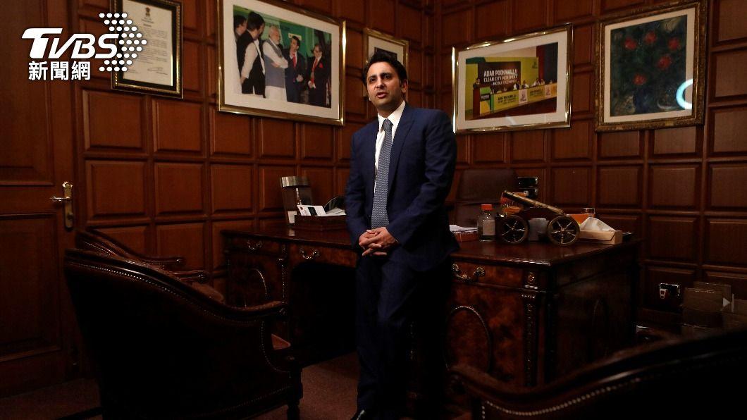 印度血清研究所CEO波納瓦拉表示自己受到國內高級官員威脅。(圖/達志影像路透社) 老闆呢?印度疫苗生產商CEO全家躲英國:我不想面對