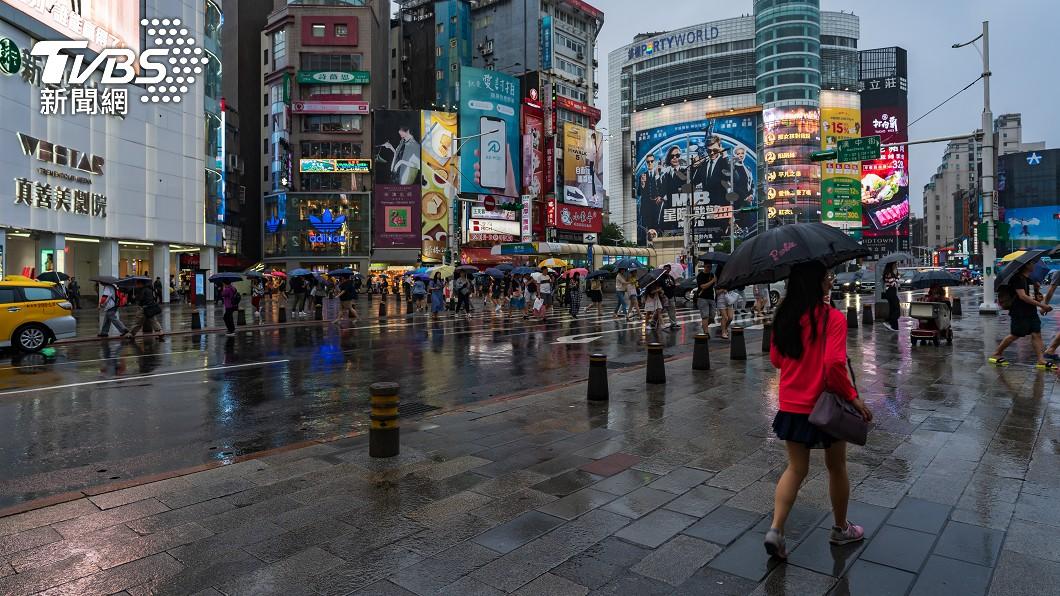今午後各地山區局部短暫陣雨的機率。(示意圖/shutterstock達志影像) 2波梅雨季鋒面接力來襲 雨區再擴大!變天時間出爐