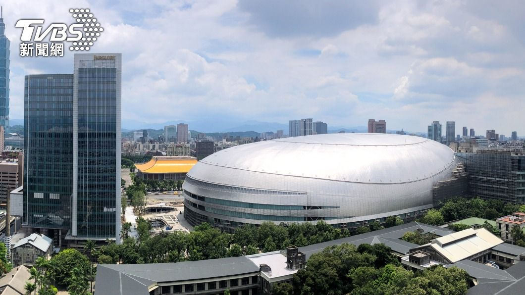 圖為施工中的台北大巨蛋。(圖/中央社) 北市府:大巨蛋用途是體育館 若辦演唱會需審查