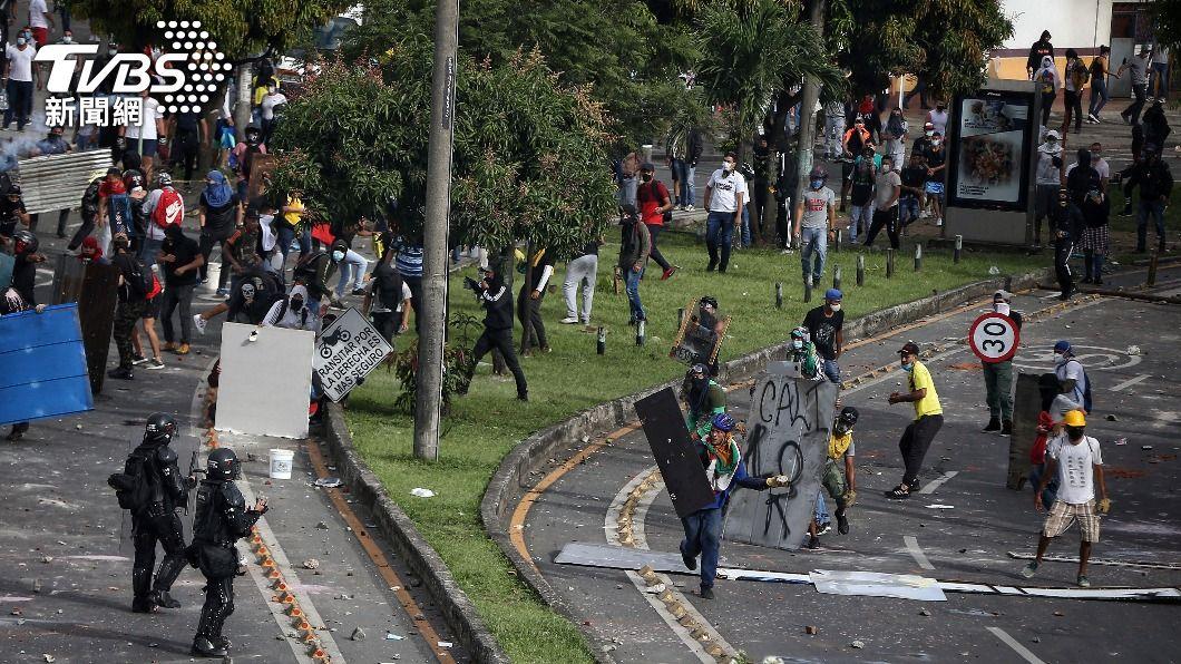 (圖/達志影像美聯社) 哥倫比亞對示威民眾動武 國際社會同聲譴責