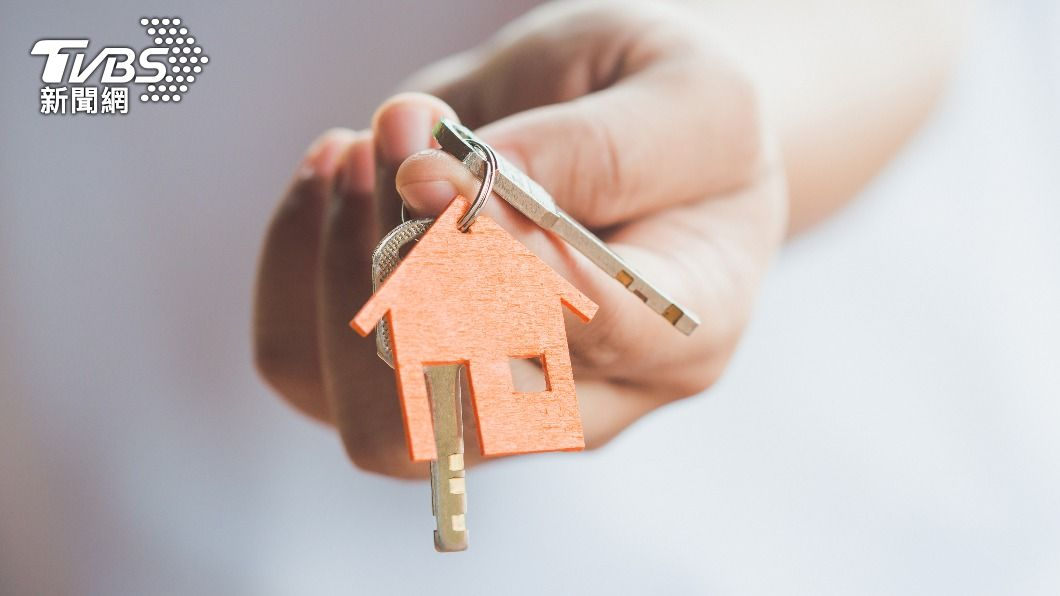 許多民眾都期許能買一間屬於自己的房子。(示意圖/shutterstock 達志影像) 孝順兒承諾「買大房子給妳住」 母看完三條線:先不用
