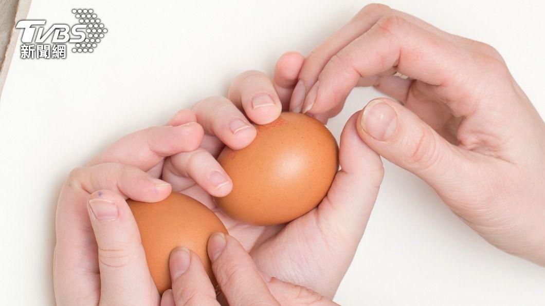 一名男童要求父親讓他帶水煮蛋去學校。 (示意圖/shutterstock 達志影像) 童帶水煮蛋上課「體驗媽媽怎麼生」 網笑翻:出頭很多