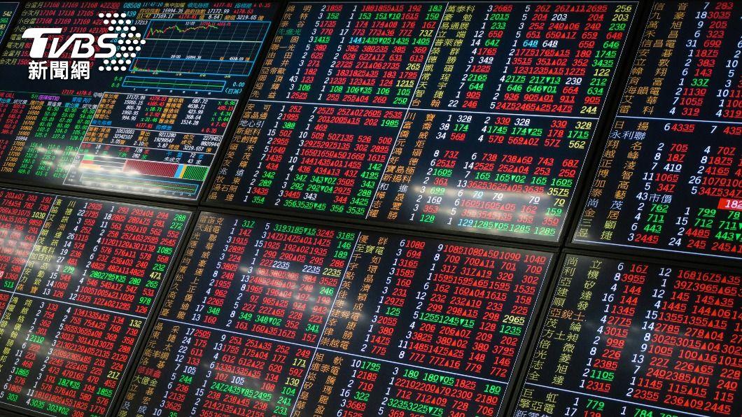 台股終場收在最高17285點。(圖/中央社) 電子股回神 台股反彈大漲290點收17285點