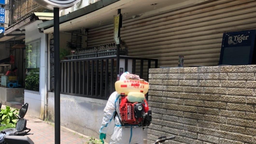染疫的機師和空服員曾經去過台北市酒吧聚會,而他們的基因序列也相同。(圖/北市環保局提供) 跑酒吧空服員疑為同行機師除染 陳時中:傾向是本土案例