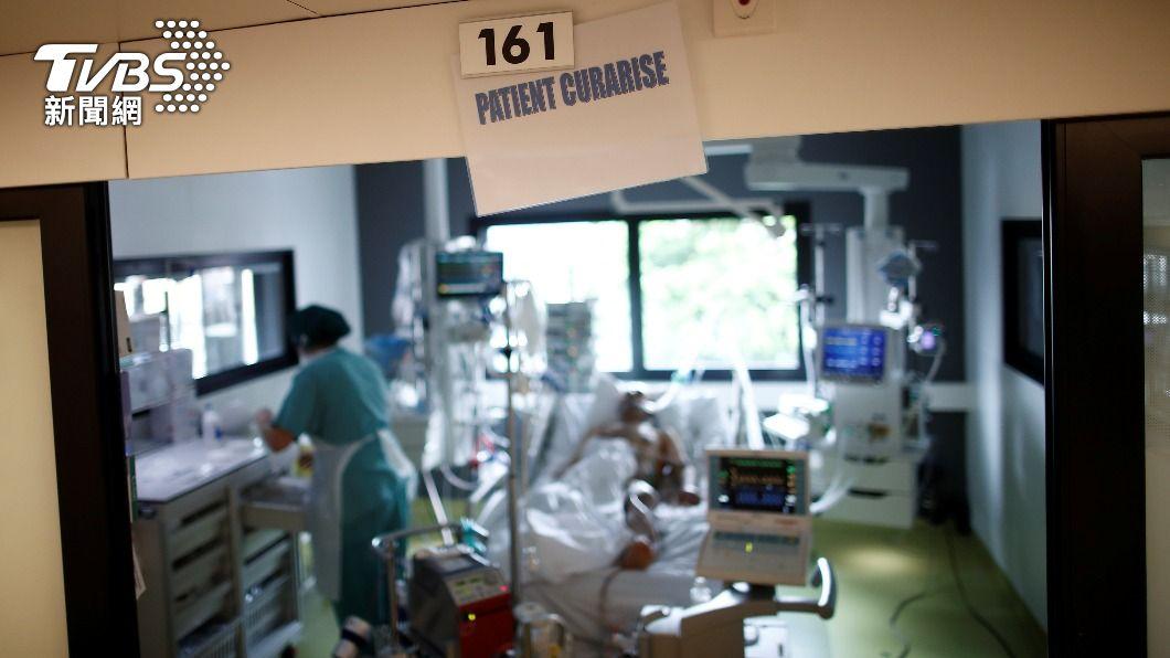 法國新冠重症病患人數減少。(圖/達志影像路透社) 法國疫情趨緩逐步解封 重症患者連5天下降
