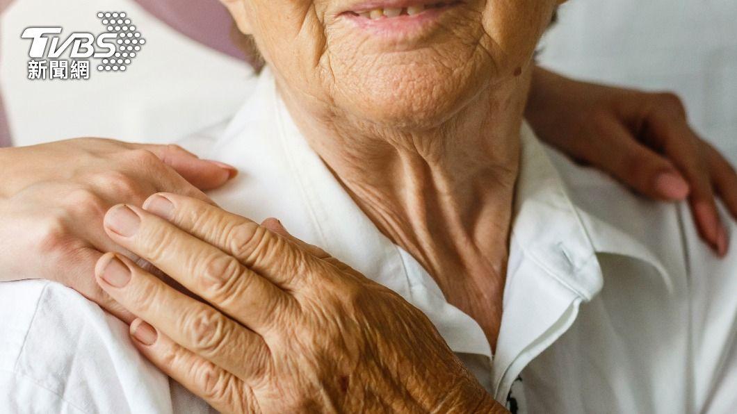 80歲媽留遺書 「後悔生下你們」逼哭網友