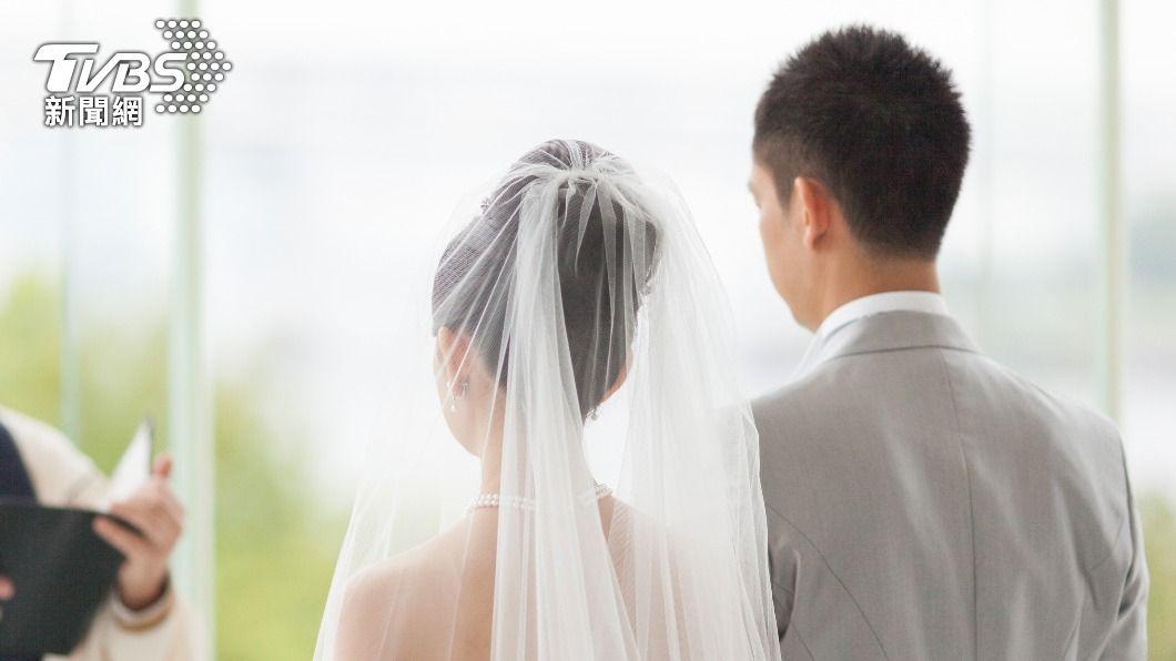 許多情侶到了適婚年齡後,會開始考慮結婚生子。(示意圖/shutterstock 達志影像) 提到結婚就裝死! 另一半「騎驢找馬」10大警訊
