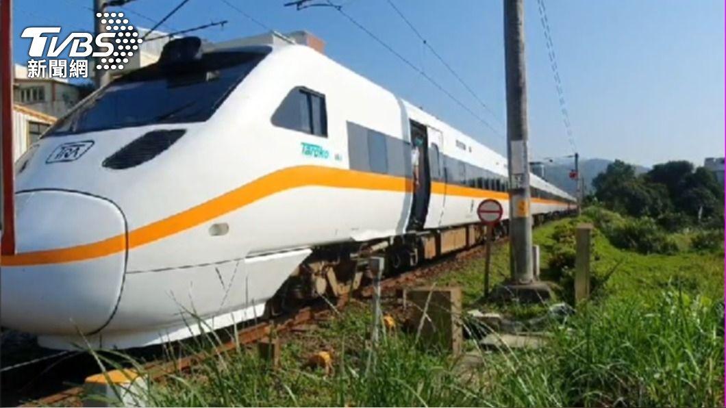 太魯閣號撞上一名婦人。(圖/TVBS) 台鐵太魯閣號撞死婦人 頭城-礁溪間列車延誤