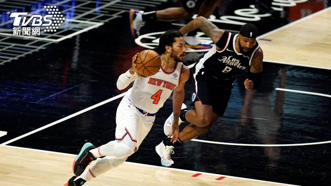 羅斯率尼克擊敗快艇。(圖/達志影像美聯社) NBA尼克擊沉快艇 8年來首闖季後賽有望