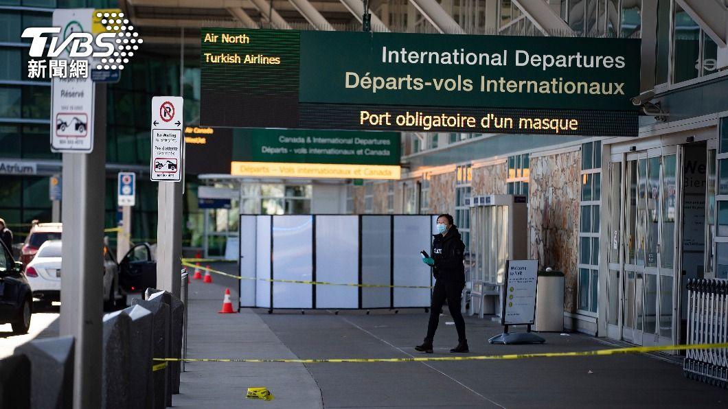 溫哥華國際機場發生槍擊案。(圖/達志影像美聯社) 溫哥華國際機場槍擊1死嫌犯逃逸 機場恢復運作