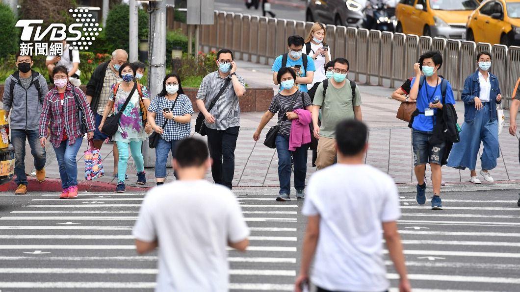 (圖/中央社) 防疫升級 6/8前停辦室外500人、室內100人以上活動