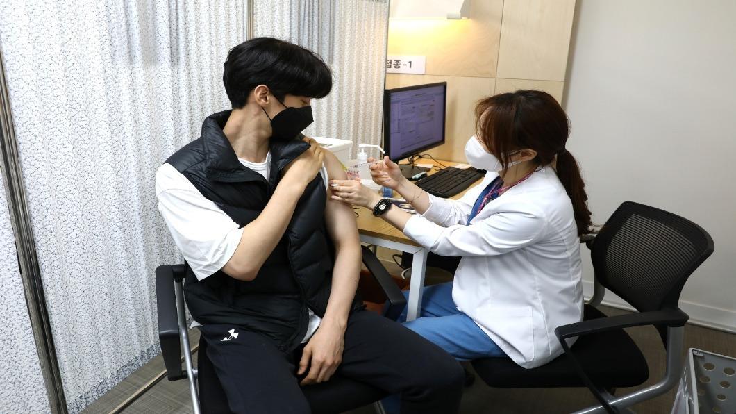 圖/達志影像路透   打AZ後四肢麻痺!南韓政府擬賠25萬醫療費