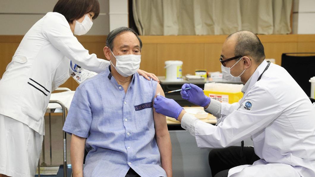 日本進入高齡者疫苗施打階段 預約電話天天爆滿