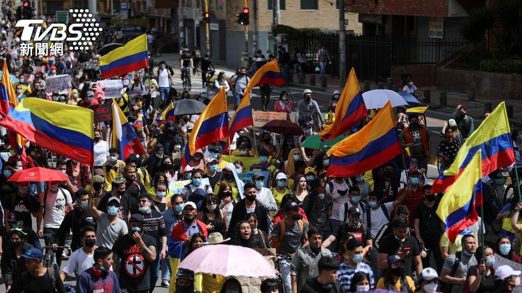 哥倫比亞反政府示威。(圖/達志影像路透社) 哥倫比亞反政府抗議延燒 2週來至少42人喪命