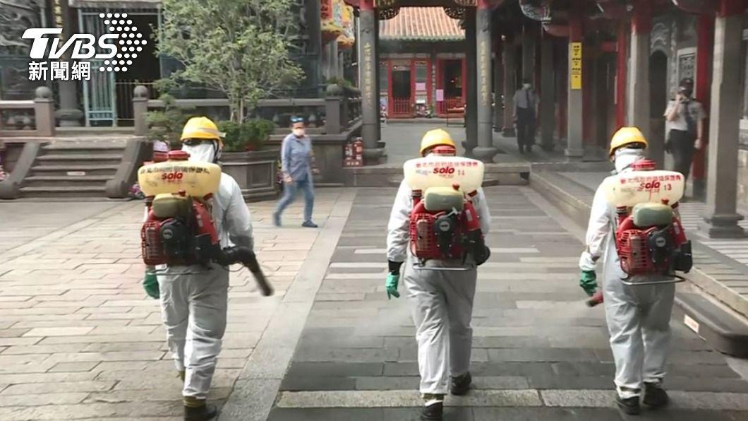 萬華區傳確診,北市府緊急大消毒。(圖/TVBS) 不斷更新/今天再增25確診!超複雜足跡一次整理