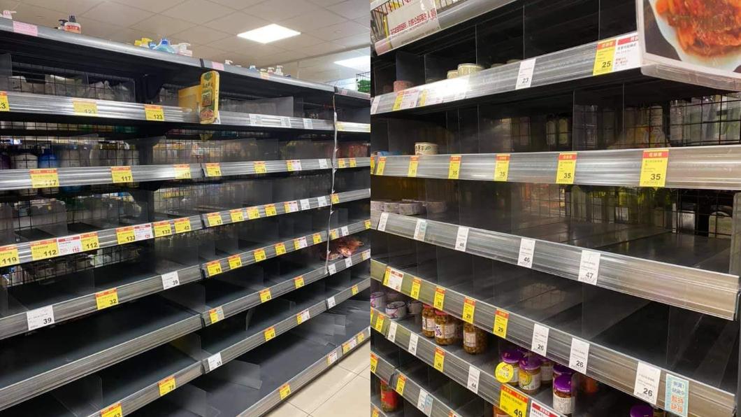 超市貨架空蕩蕩。(圖/翻攝自爆廢公社) 疫情延燒衛生紙、泡麵被搶空!他哀號連「保險套」都買嘸