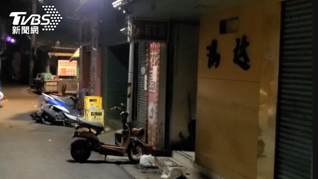 萬華區茶室紛紛關門停業。(圖/TVBS) 不夜城淪空城!2女染疫嚇跑酒客「萬華阿公店」全停業