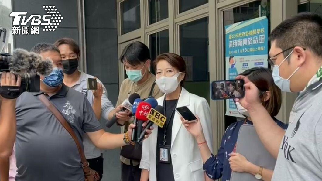 黃珊珊赴萬華分局。(圖/TVBS資料照) 防堵疫情!萬華區茶室染疫 即日起172家將停業三天