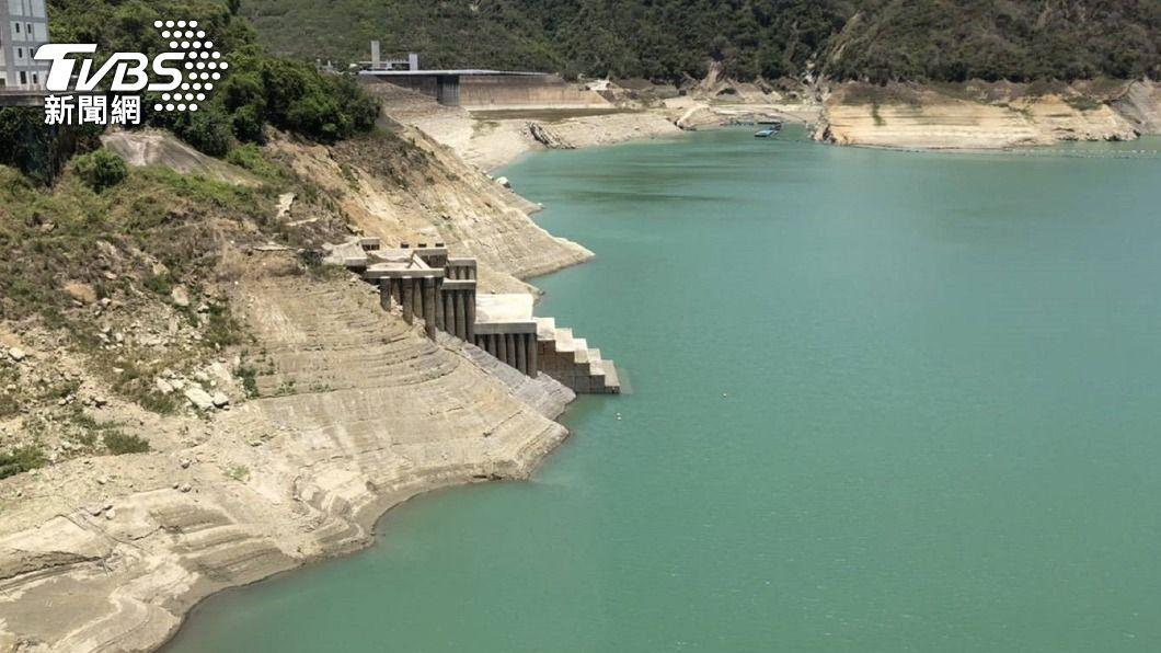曾文水庫蓄水率已跌破6%。(圖/中央社) 台南3大水庫蓄水跌破8千萬公噸 曾文跌破6%