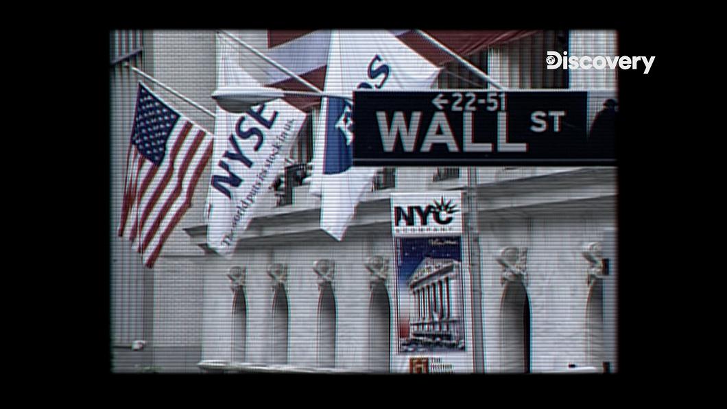 九成九的華爾街人與一般股民, 都習慣做多,只有做空的人才會看衰. 在場邊不擇手段要讓股價下跌 直擊股市散戶力量 遊戲驛站引爆華爾街大亂鬥