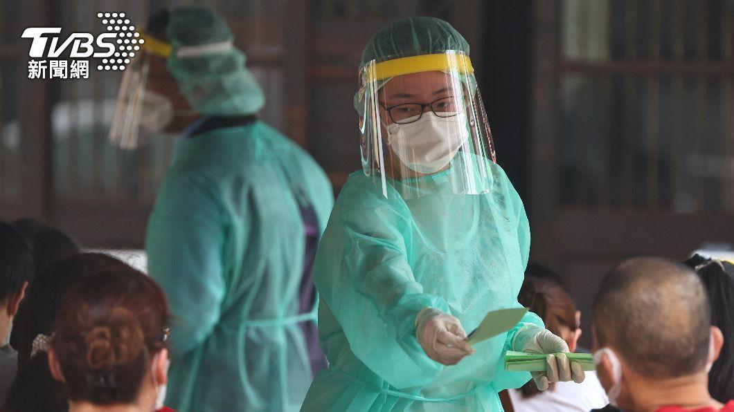 台灣本土疫情升溫。(圖/達志影像路透社) 台灣疫情升溫 新加坡要求入境旅客隔離21天