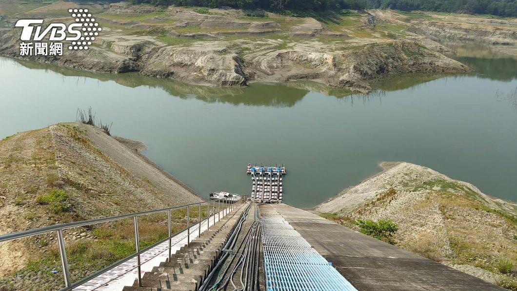 苗栗縣永和山水庫蓄水率跌破4%。(圖/中央社) 永和山水庫蓄水率跌破4% 竹南停水用戶延後復水