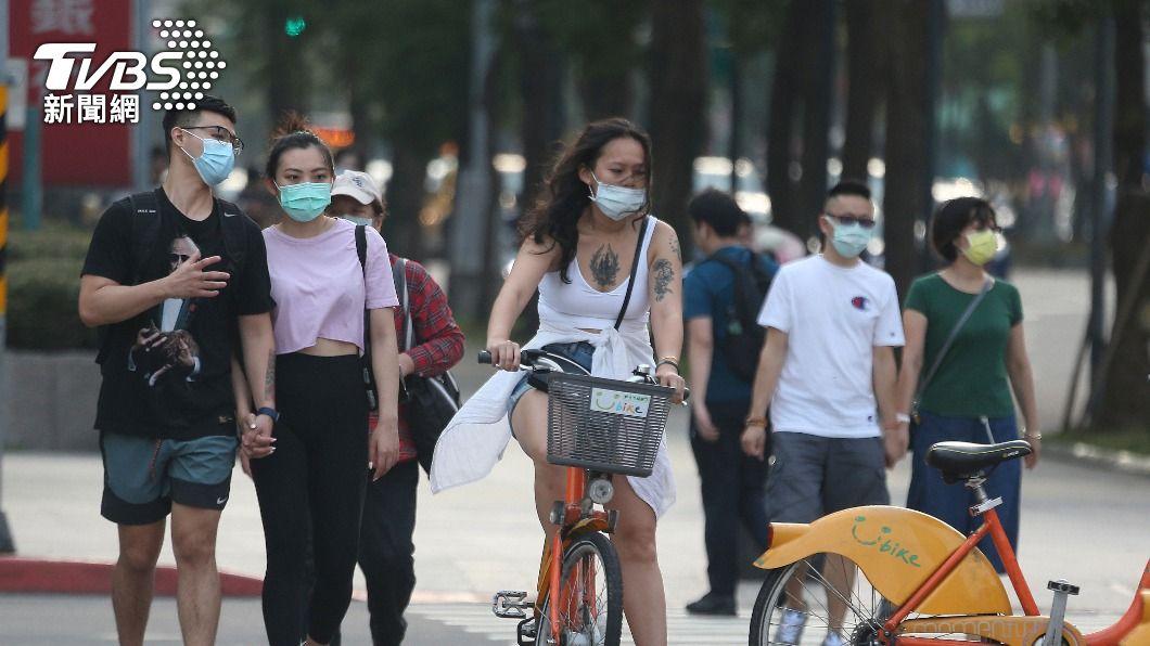 圖/達志影像美聯社 疫情升溫 在台港人考慮回港打疫苗