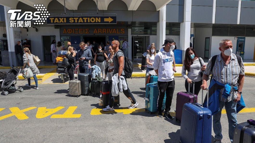 遊客若接種過疫苗或持陰性證明可入境希臘。(圖/達志影像路透社) 希臘開放遊客 接種過疫苗或持陰性證明可入境