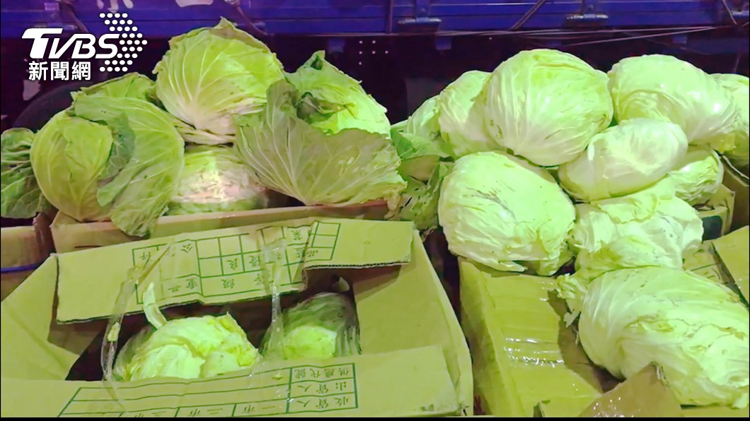 (圖/TVBS) 恐慌性搶購菜價漲 農糧署:預期心理所致已回穩