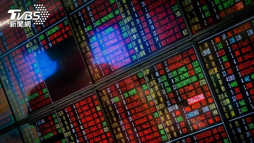 (圖/中央社資料照) 鋼鐵股領漲 台股漲逾百點達17745.84點再創新高