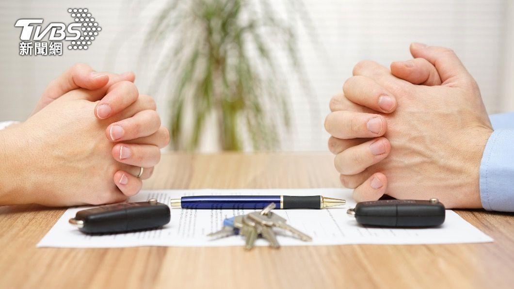 大陸年初推「離婚冷靜制度」,申請離婚後需等待30天才能完成手續。(示意圖/shutterstock達志影像) 強迫冷靜30天見效? 大陸離婚率暴跌70%