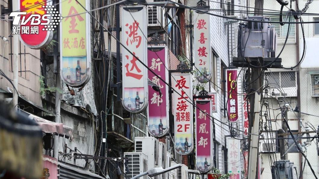 萬華區成疫情高風險區。(圖/TVBS) 找到了!萬華茶室27失聯外籍女 將陸續前往採檢