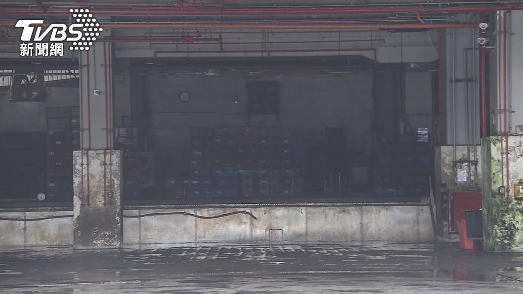 (圖/TVBS) 北市家禽批發市場全面消毒 20日恢復營業