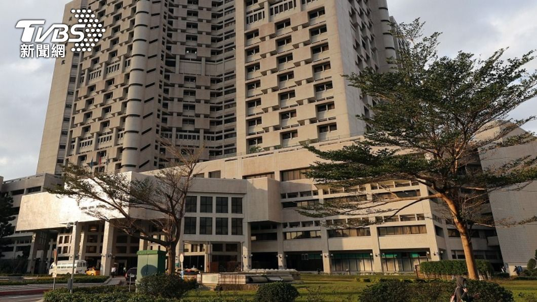 台北榮民總醫院。(圖/TVBS資料畫面) 北榮再爆院內感染 住院10多天病人傳確診醫護急隔離