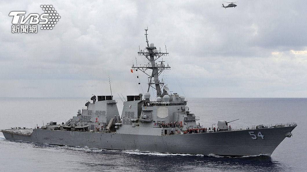 美國海軍派出柯蒂斯·威爾伯號驅逐艦(USS Curtis Wilbur)於南海實施自由航行任務。(圖/達志影像路透社) 美國海軍南海實施「自由航行」任務 中國大陸怒批挑釁