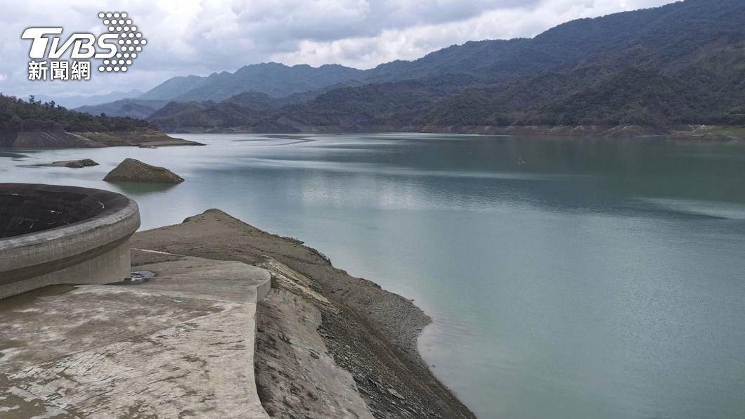 南化水庫蓄水量持續下降。(圖/中央社) 南化水庫蓄水率跌破1成 營運28年來枯水排名第2