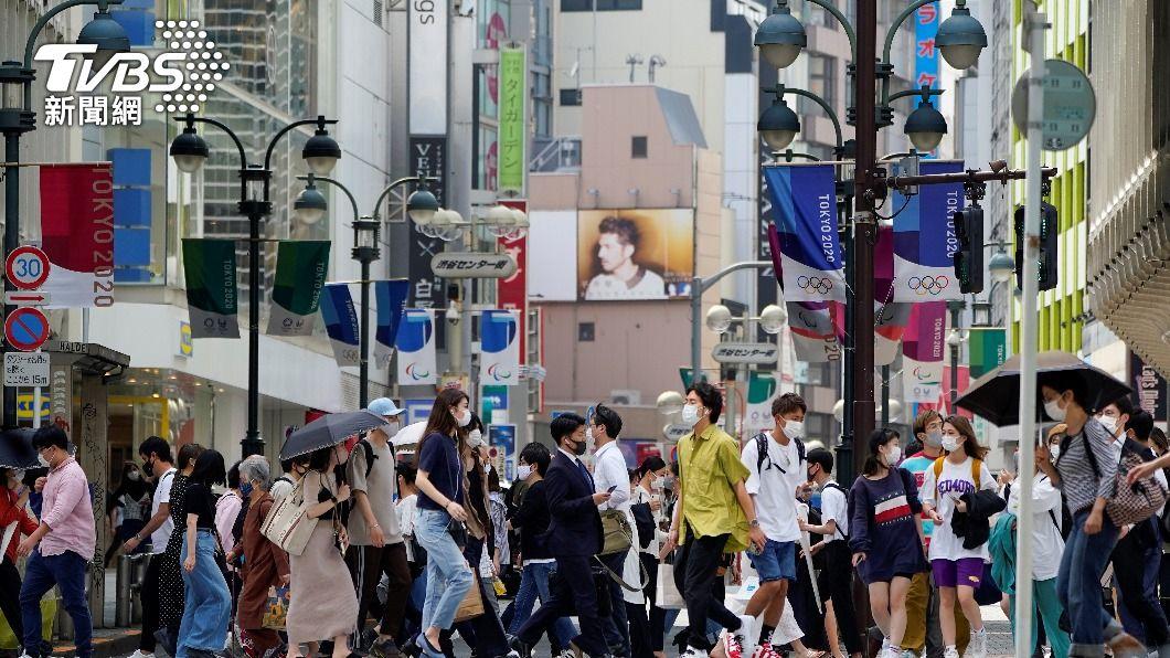 日本3度宣布進入「緊急事態宣言」。(圖/達志影像路透社) 緊急事態擴大10地 日本政府不排除延長期間