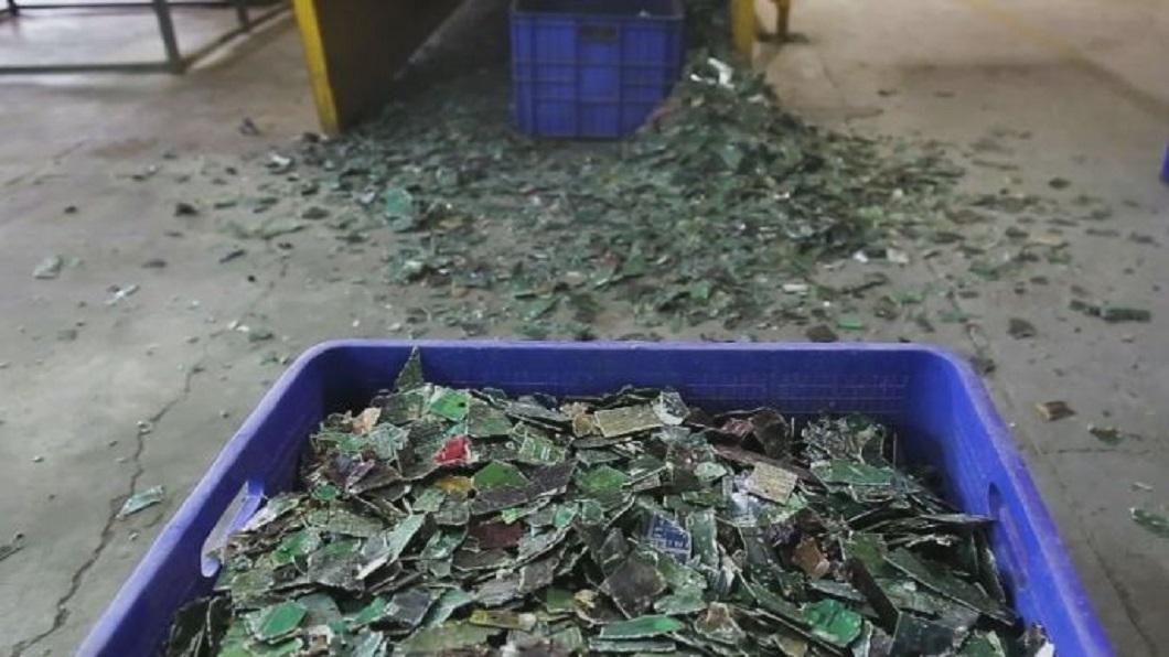 自然界淘金客!紐西蘭靠微生物在3C垃圾找黃金