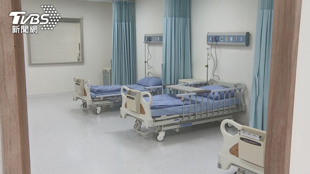 本土疫情嚴峻,國內10天來已66人不幸身亡。(圖/達志影像美聯社) 不斷更新/11天累計66人染疫亡 逾半數有慢性病史