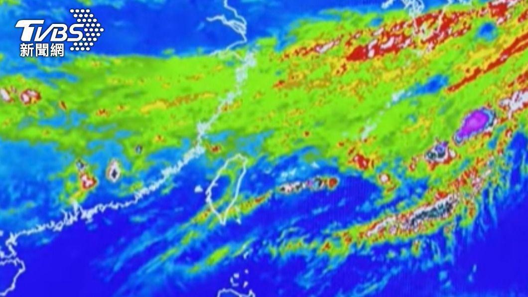 鋒面接近全台有雨。(圖/TVBS) 梅雨鋒面來了!水情有望緩解 未來三日全台有雨
